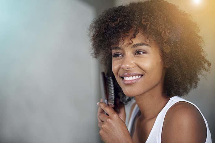 Comment Lisser Ses Cheveux Afro Sans Defrisage Les 3 Etapes