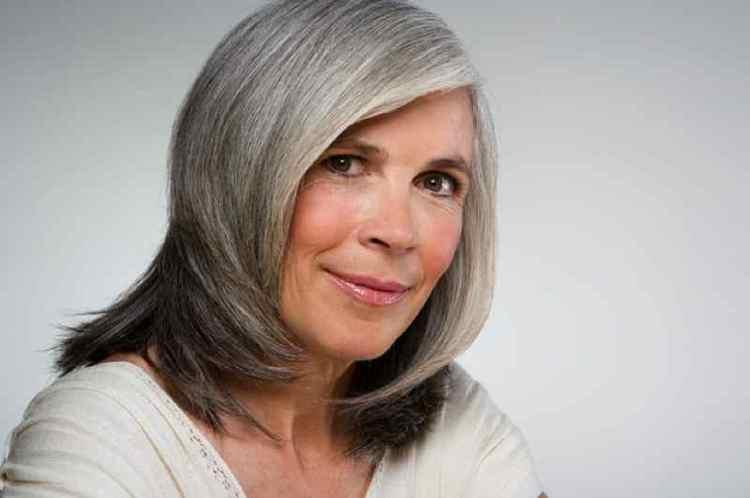meilleur shampoing pour cheveux blancs et gris